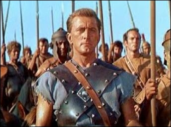 Spartacus est le premier ''révolutionnaire'' dont le nom est resté célèbre. À la tête d'une armée de 120 000 hommes, il fit trembler Rome. Quel acteur l'incarna dans le film de Stanley Kubrick ?