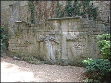 Lors de la Commune de Paris (1871), 147 communards furent fusillés à un endroit que l'on appelle depuis ''Le Mur des Fédérés'' . Où se trouve-t-il ?