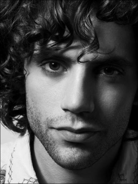 Quelle est l'origine du père de Mika ?