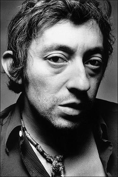 Quel acteur incarne Serge Gainsbourg dans le film 'Gainsbourg, vie héroïque' en 2010 ?