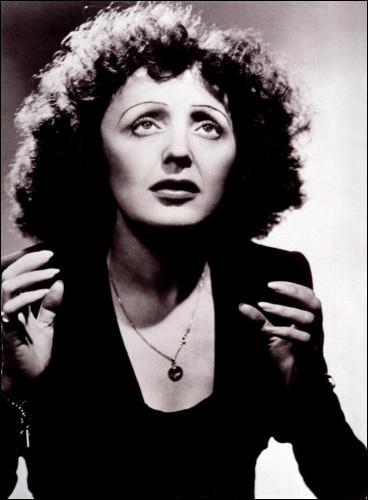 Quelle actrice incarne Edith Piaf dans le film 'La Môme' en 2005 ?