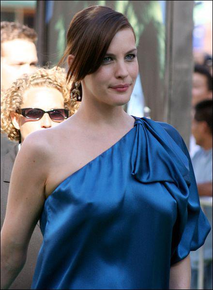 Quelle actrice tient le rôle d'Arwen ?