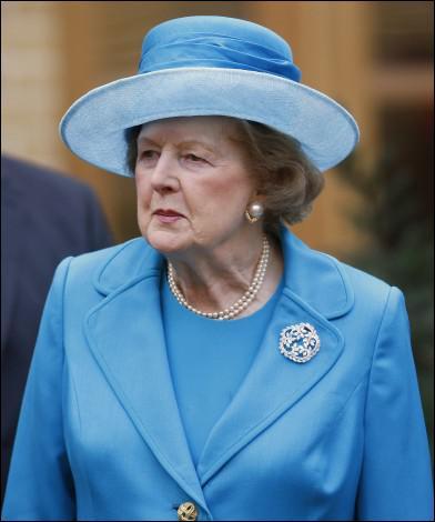 'Mais qu'est-ce qu'elle me veut cette ménagère ? Mes couilles sur un plateau ? ' Où Chirac a-t-il ainsi parlé de Thatcher ?