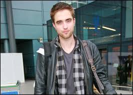 Quel personnage interprète-t-il dans Twilight ?