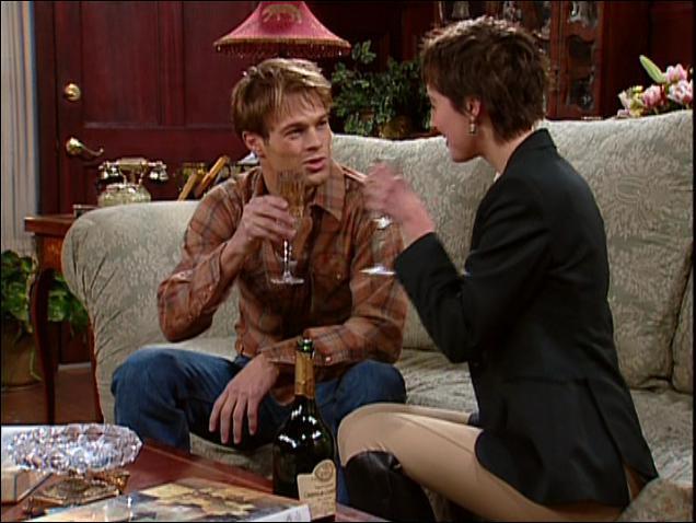 Toujours dans le même épisode, l'acteur qui joue Fredrick est surtout connu pour son rôle de Kevin Kinkirk dans la série 'Sept à la maison'. Qui est-ce ?