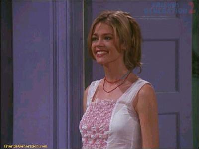 Cassie, la belle cousine de Monica, a joué dans 'Sexcrimes', 'Starship Troopers' et fut une James Bond girl dans 'Le monde ne suffit pas'. Comment s'appelle-t-elle ?