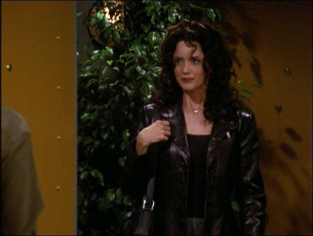 Elle a commencé sa carrière dans 'Santa Barbara' puis a joué dans 'Le flic de Shangai' et plus récemment dans 'Dexter'. Quelle actrice joue Whitney dans l'épisode 5 ?