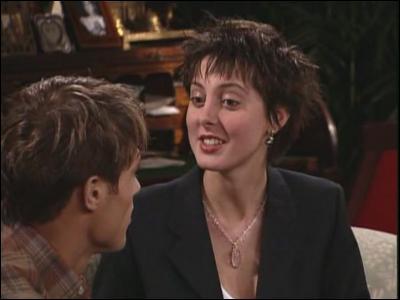 Ce personnage dans 'Les Jours de notre vie' est la fille de l'invitée précédente dans la série comme à la ville. Quel est son nom ?
