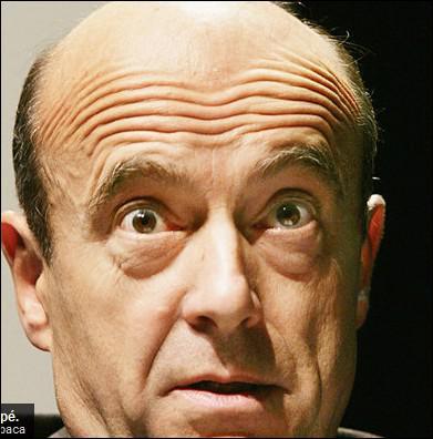 Ministre de la défense ... de se moquer