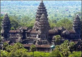 Où doit se rendre pour voir les temples d'Angkor ?