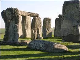 Dans quelle partie du Royaume-Uni peut-on visiter le site de Stonehenge ?