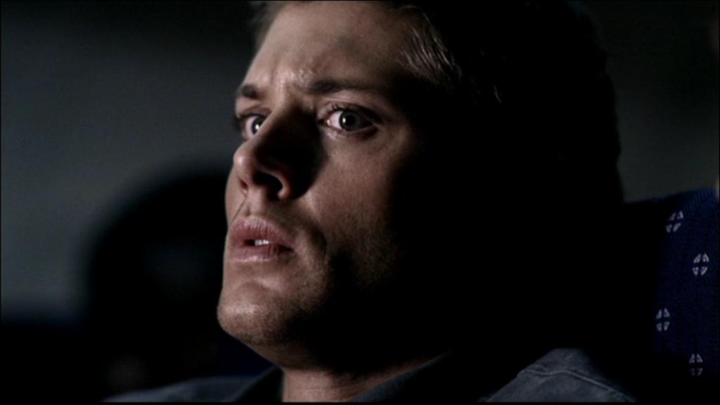 Dans un épisode Dean fredonne une chanson de Metallica pour se détendre, se désangoisser. Mais de quoi a t-il peur ?