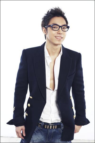 Qui était le professeur de rap des artistes de la JYP. Entertainment ?