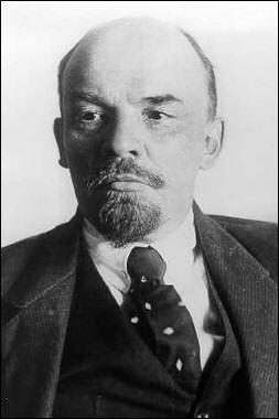 Quel est ce personnage historique très connu pour avoir été le chef de la révolution soviétique ?