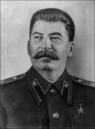 Quel est ce personnage historique qui a dirigé l'URSS de 1922 à 1953 ?