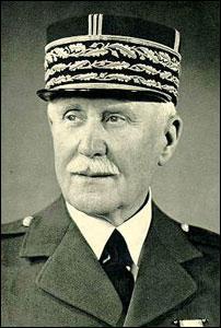 Quel est ce personnage célèbre considéré comme un héros lors de la Première Guerre Mondiale mais comme traître lors de la Seconde Guerre Mondiale ?