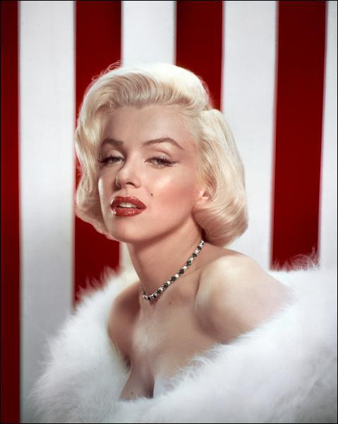 Marilyn Monroe est décèdée par suicide ou meurtre il y a près de 50 ans. Quel âge avait-elle ?
