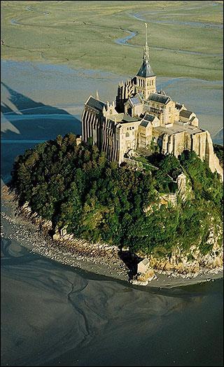 Où se trouve le Mont Saint-Michel ?