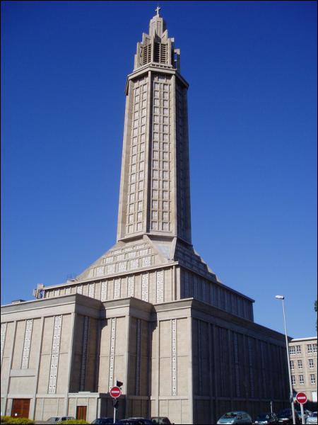 Pourquoi le Havre a-t-il été reconstruit en béton ?