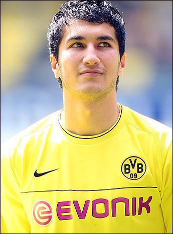 Nuri Sahin champion d'Allemagne avec le Borussia Dortmund rejoint un nouveau club cet été. Lequel ?