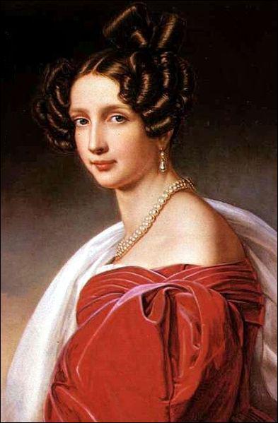 Elisabeth s'entend très bien avec sa belle-mère, l'Archiduchesse Sophie.