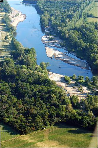 Quel cours d'eau traverse l'Auvergne ?