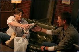 Que fait-il pour Dean, lors de son dernier Noël avant l'enfer ?