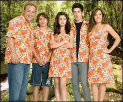 Dans les sorciers de Waverly Place ' le fim ', où la famille part-elle en vacances ?