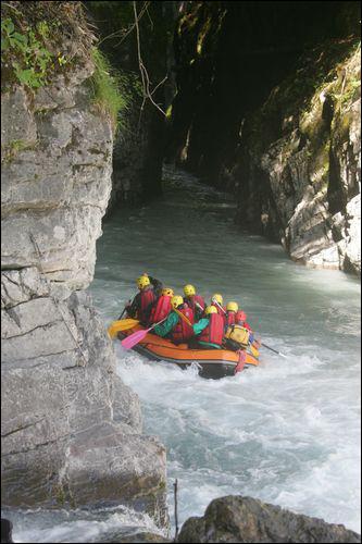 Dans quelles gorges de la région peut-on faire du kayak et du rafting ?