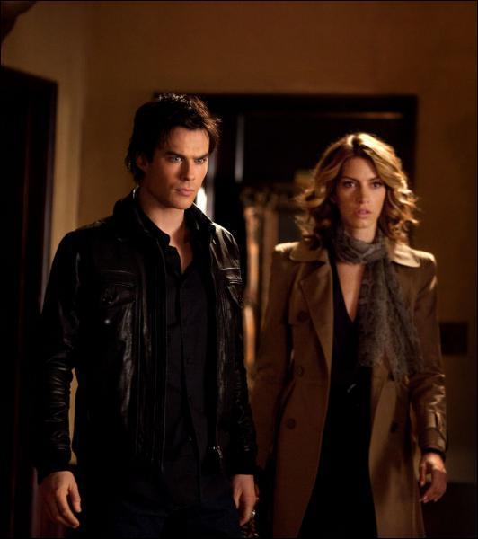 Qui est la petite amie de Damon dans la saison 2 (à gauche) ?