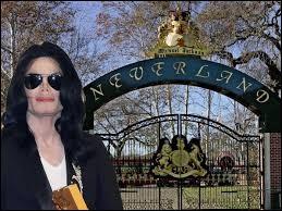 En référence à quel personnage de fiction Michael Jackson avait-il appelé son ranch ''Neverland'' ?