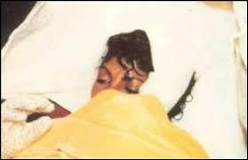 En 1984, Michael Jackson fut blessé gravement au cuir chevelu lors du tournage d'une publicité. Pour quelle marque faisait-il la pub ?
