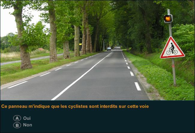 Ce panneau m'indique que les cyclistes sont interdits sur cette voie ?