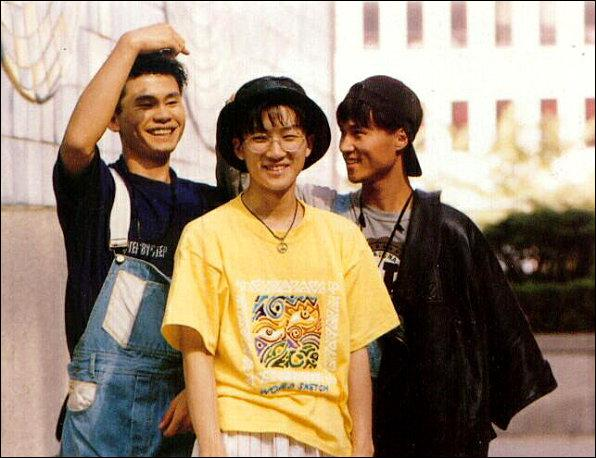 Quel est le 1er groupe à avoir introduit de la K-pop ?