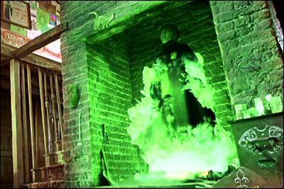 Avec la poudre de cheminette, où arrive Harry ?