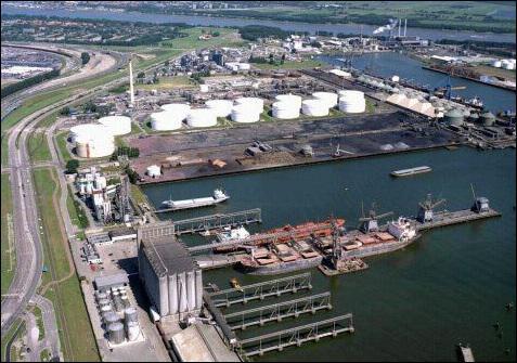 Cette partie du port de Rotterdam correspond :