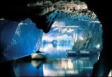 Comment se nomme le plus grand lac souterrain d'Europe qui se trouve en Valais ?