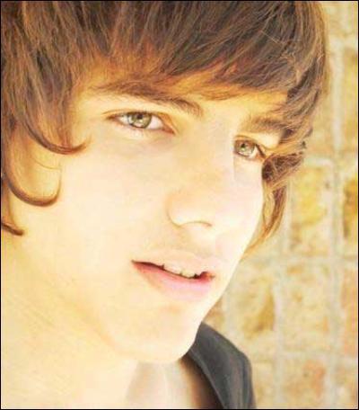 Qui est ce jeune acteur ?