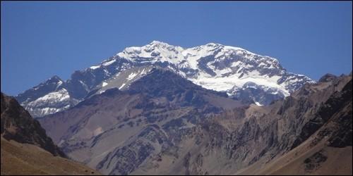 Quel est le point culminant de la Cordillère des Andes (6 962m) ?