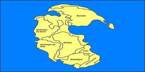 Comment appelle-t-on le continent qui existait il y a 300 millions d'années ?