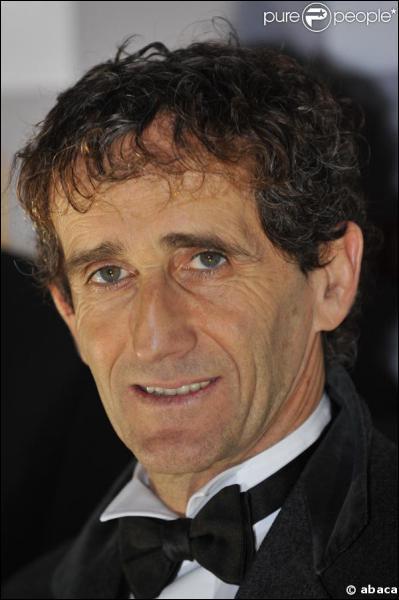 Champion du monde en 1985, 1986, 1989 et 1993, il était surnommé ''le professeur''. Il s'agit de ...