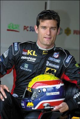 Il était pilote chez l'écurie Red-Bull avec Sébastian Vettel. Qui est-ce ?