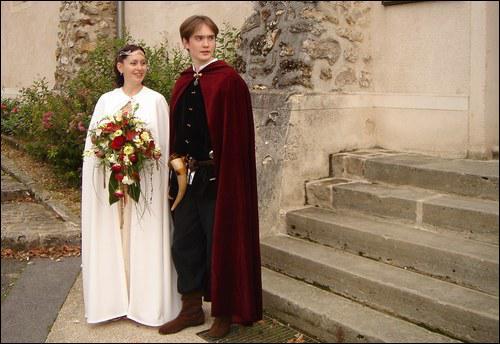 Le mariage en tant que sacrement officiel religieux apparaît dans un décret du pape Lucien III, en 1184. Nous sommes...