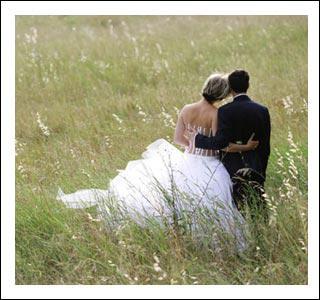 Les futurs époux ont le choix de s'unir civilement et...