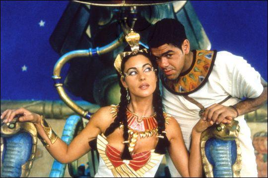 Qui a réalisé 'Astérix et Obélix : Mission Cléopâtre' ?