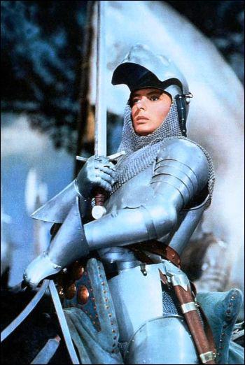 Pourquoi Jeanne d'Arc décide-t-elle d'aider le roi de France ?
