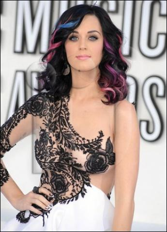 Quel âge a Katy Perry (2011) ?
