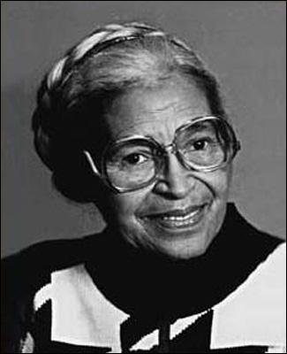 Rosa Parks, une femme noire, devint célèbre lorsqu'elle décida de s'asseoir dans un bus à la place d'un blanc en 1955. Dans quel état des Etats-Unis cette scène s'est-elle déroulée ?