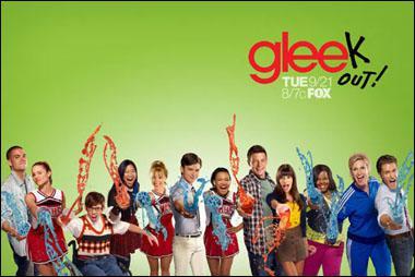 Qui a créé 'Glee' aux côtés de Ian Brennan et Brad Falchuk ?
