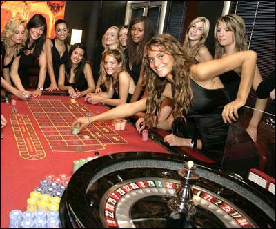 Ces jeunes filles joue à ...